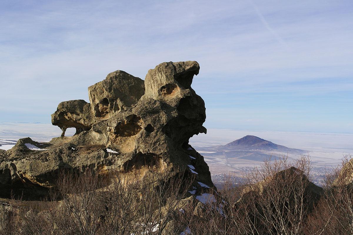 16 гор лакколитов
